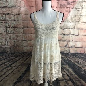Dreamers Sheer Floral Lace Top Size Medium